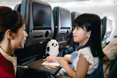 Cathay-Pacific-Unaccompanied-Minors-Policy